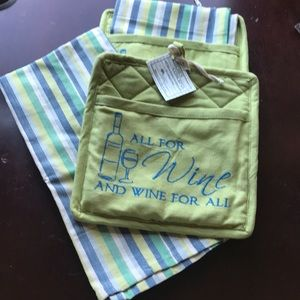 2 pot holders & 2 Towels